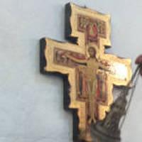 La croix de Saint Damien. Eglise Saint Sauveur, Le Temple